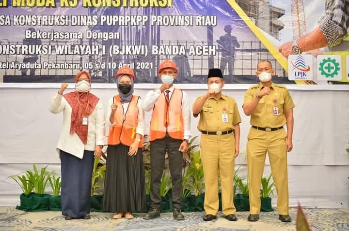 Pj Sekdaprov Riau Hadiri Acara Pembukaan Pelatihan dan Fasilitasi Uji Sertifikasi Ahli Muda K3 Kontruksi