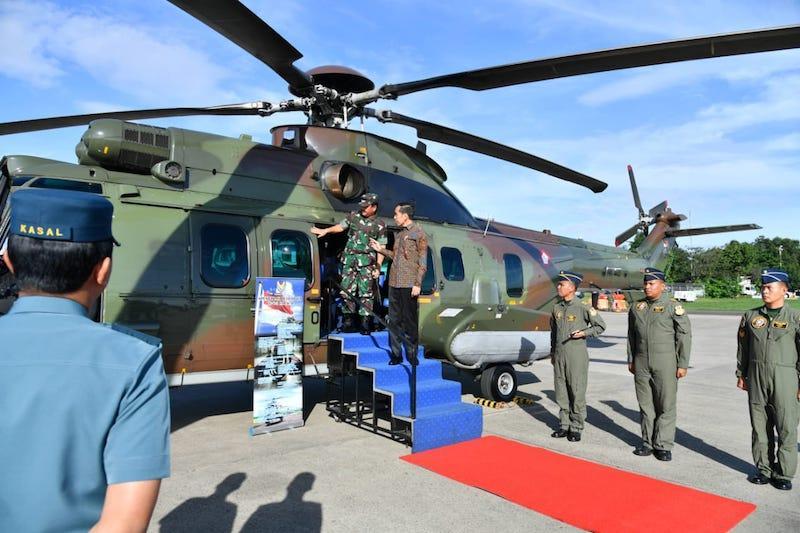 Presiden Tinjau Helikopter Caracal di Pangkalan TNI AU Halim Perdanakusuma