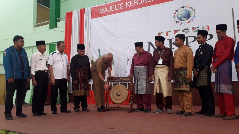 Kadisdik Riau Membuka Acara Majelis Kerjasama Pelajar Patani di Indonesia (MKPPI)
