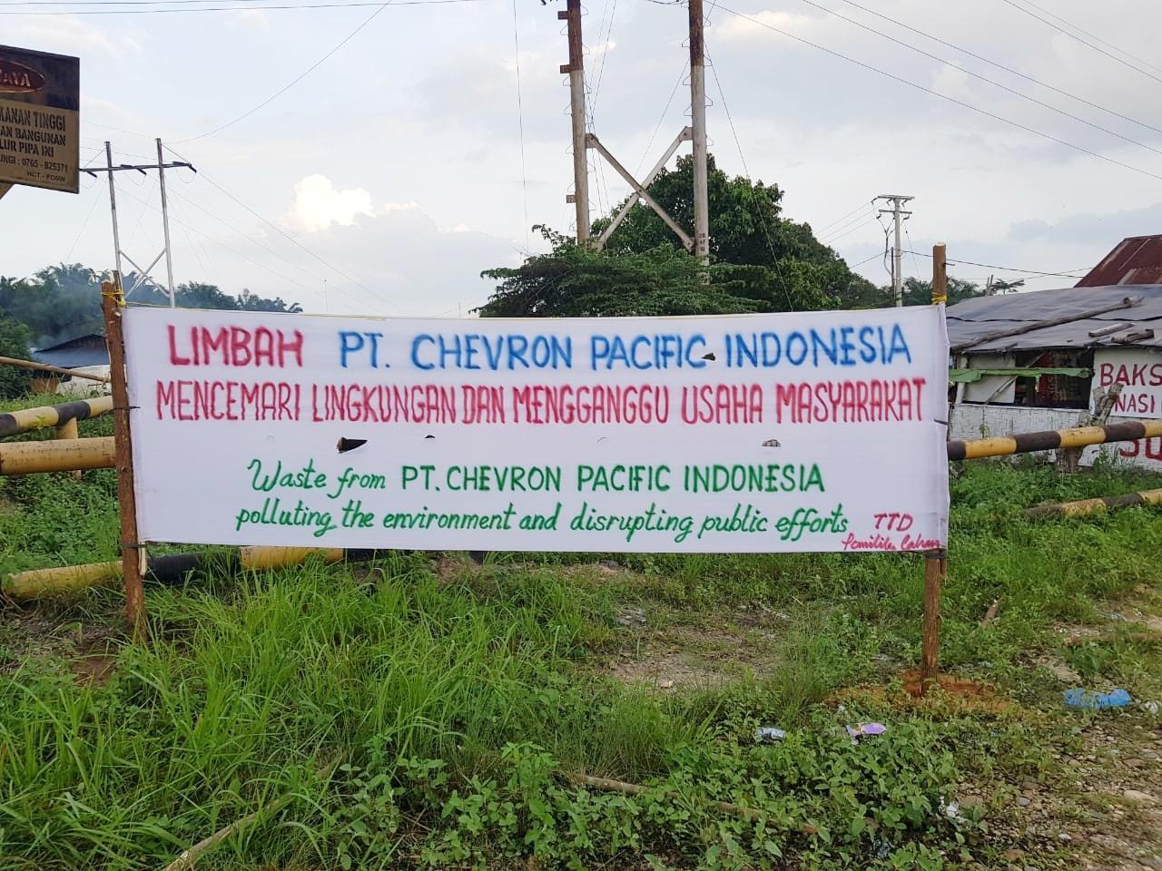 Kesal dengan sikap PT Chevron, Auzar Cs Bentangkan Spanduk dan Akan Surati Kementerian Lingkungan Hidup