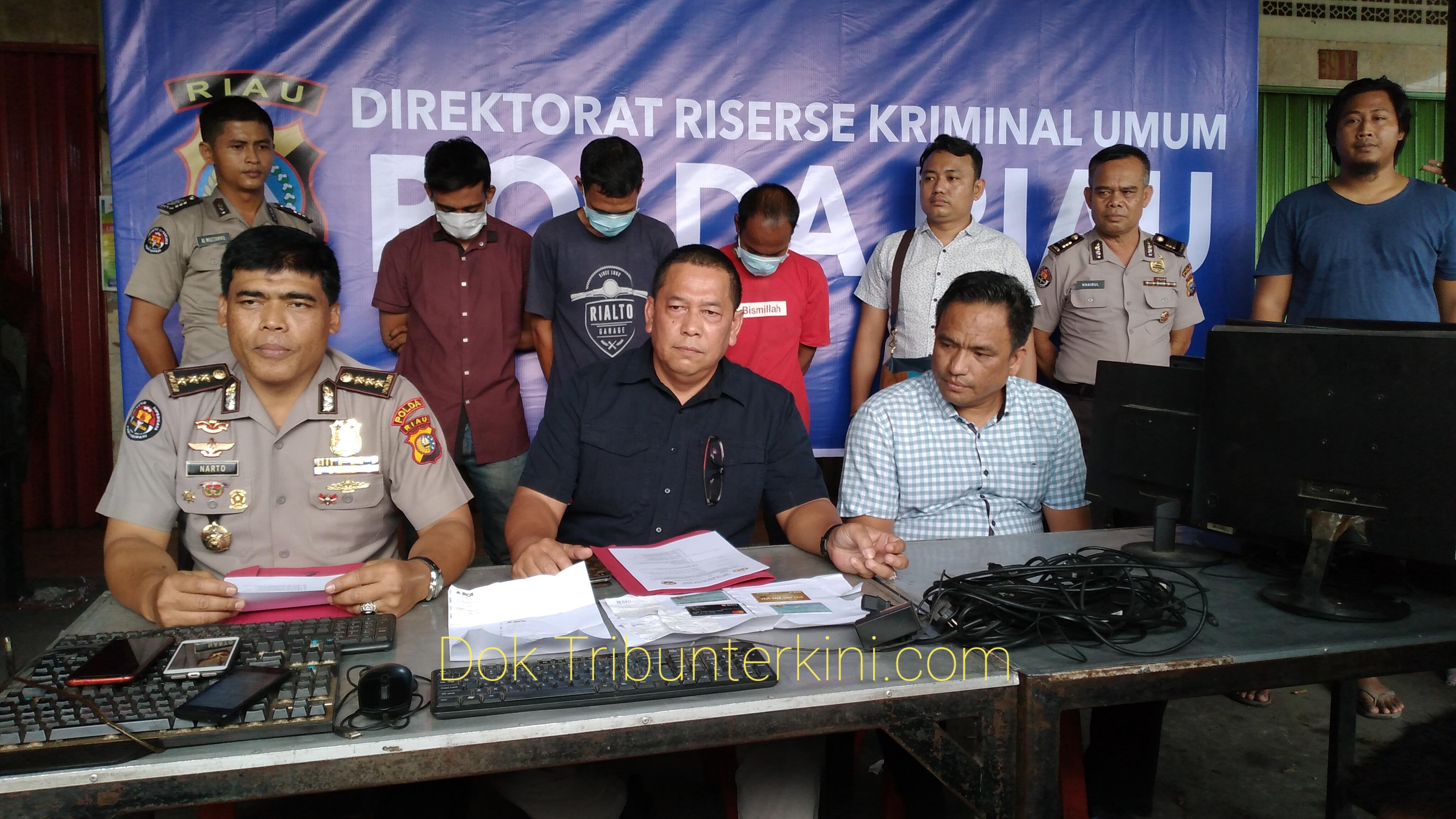 Team Opsnal Reskrimum Polda Riau Ringkus Tiga Pemain Judi Online