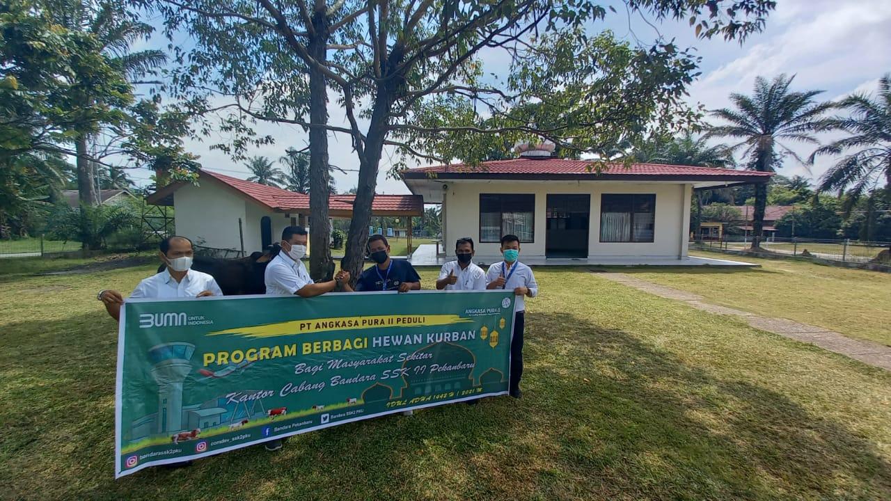 Sambut Hari Raya Idul Adha 1442 H 2021 M, PT Angkasa Pura II (Persero) Bandara SSK II Pekanbaru Peduli Laksanakan Program Berbagi Hewan Kurban