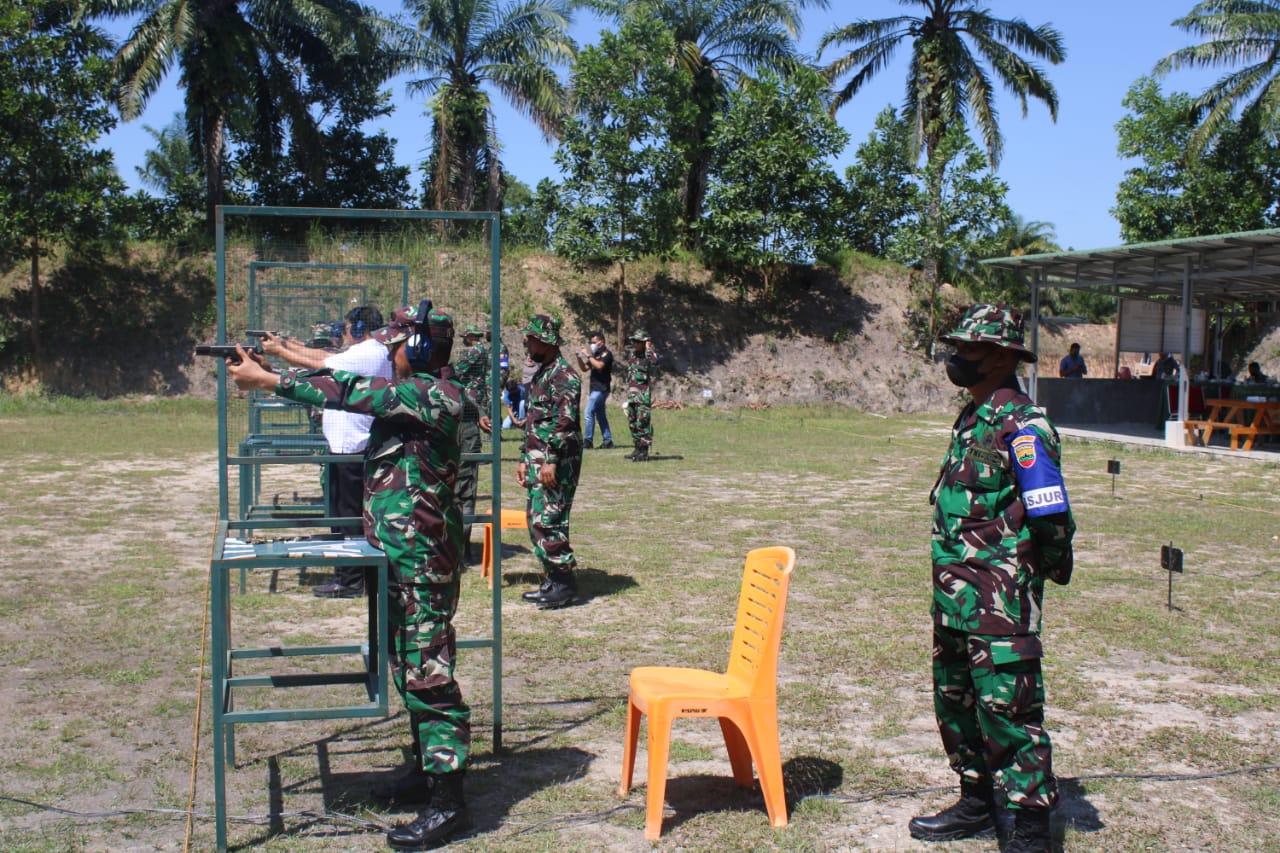 Kodim 0301/PBR Laksanakan Latihan Menembak Pistol Eksekusif Bersama Forkompimda Kota Pekanbaru