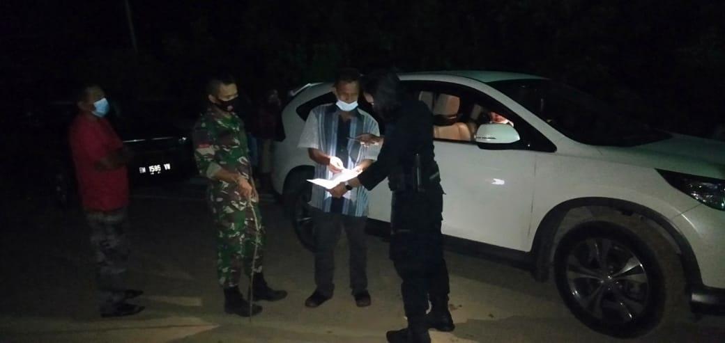 Satuan Brimob Polda Riau Semakin Diperketat Pos Penyekatan Perbatasan Provinsi Riau - Sumbar