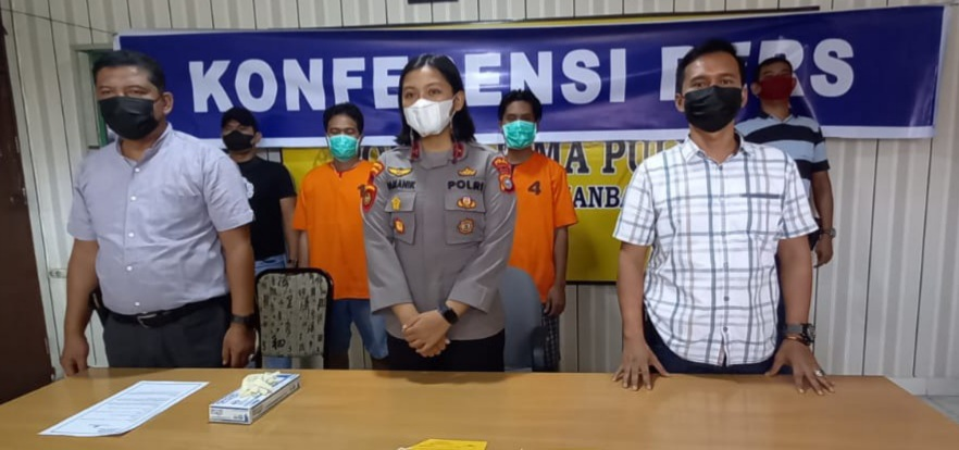 Temukan Narkotika Jenis Pil Ekstasi Saat Giat Operasi Pekat, Tim Bono Dit Samapta Polda Riau Dibackup Polsek Lima Puluh Amankan Dua Karyawan Cafe