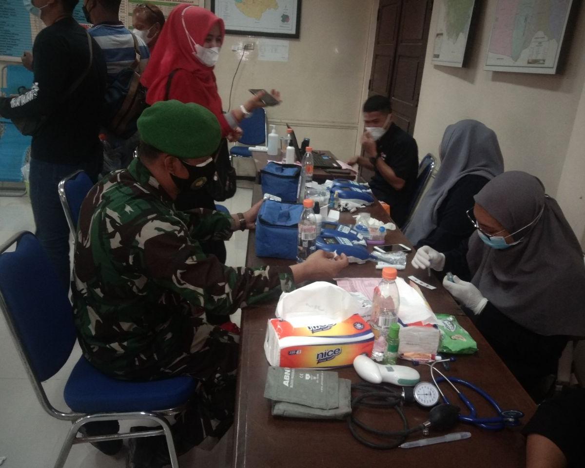 Babinsa Kodim 0301/PBR Bersama Camat Tenayan Raya dan PJB Serta MRPR Laksanakan Kegiatan Donor Darah di Aula Kantor Kecamatan