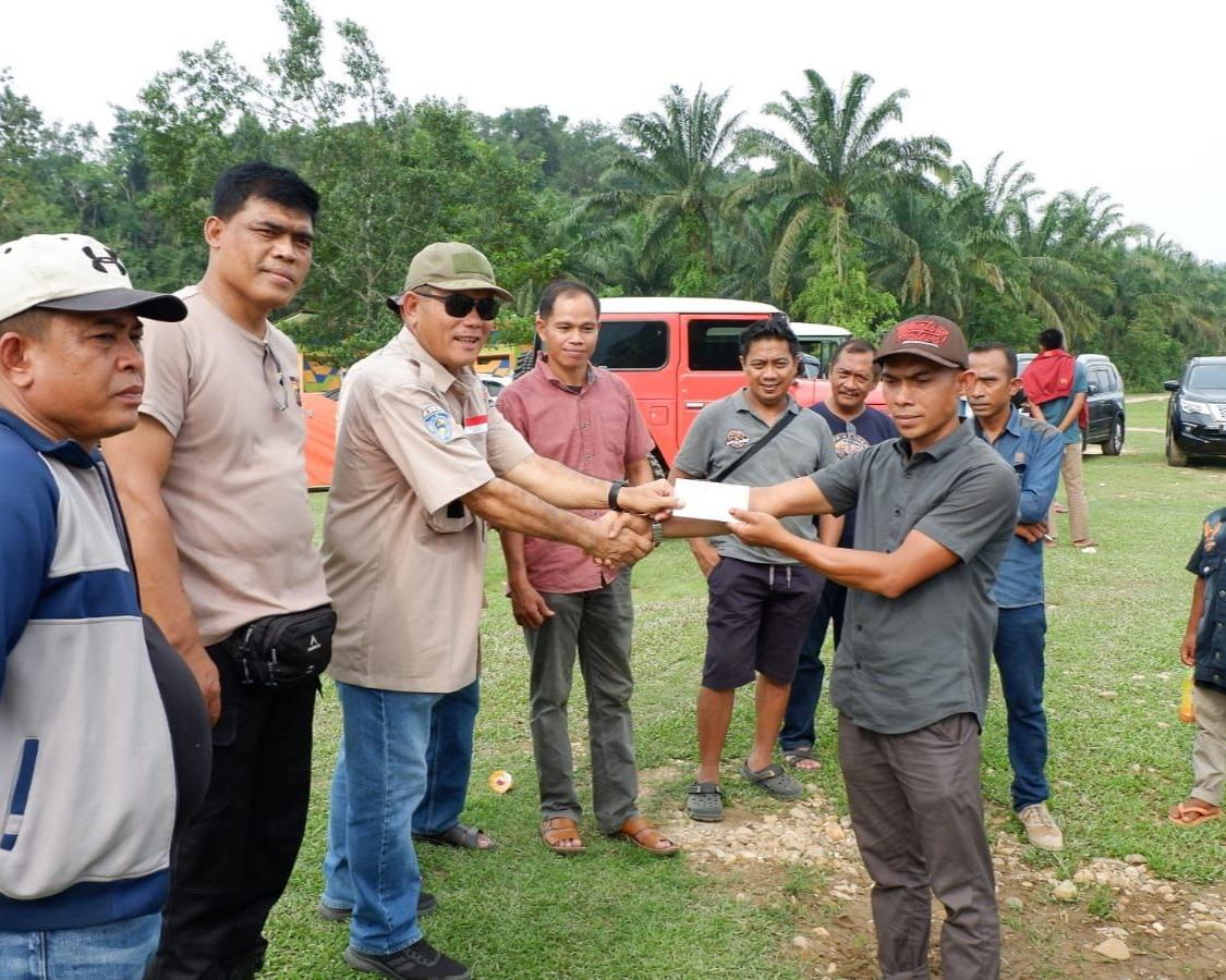 Desa Binaan Diterpa Bencana Banjir, TLCI #2 Riau Droping Bansos Dan Gerakkan Perekonomian Warga