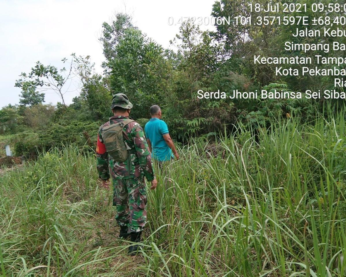 Babinsa Kodim 0301/PBR Bersama MPA Laksanakan Patroli dan Sosialisasi Cegah Karhutla