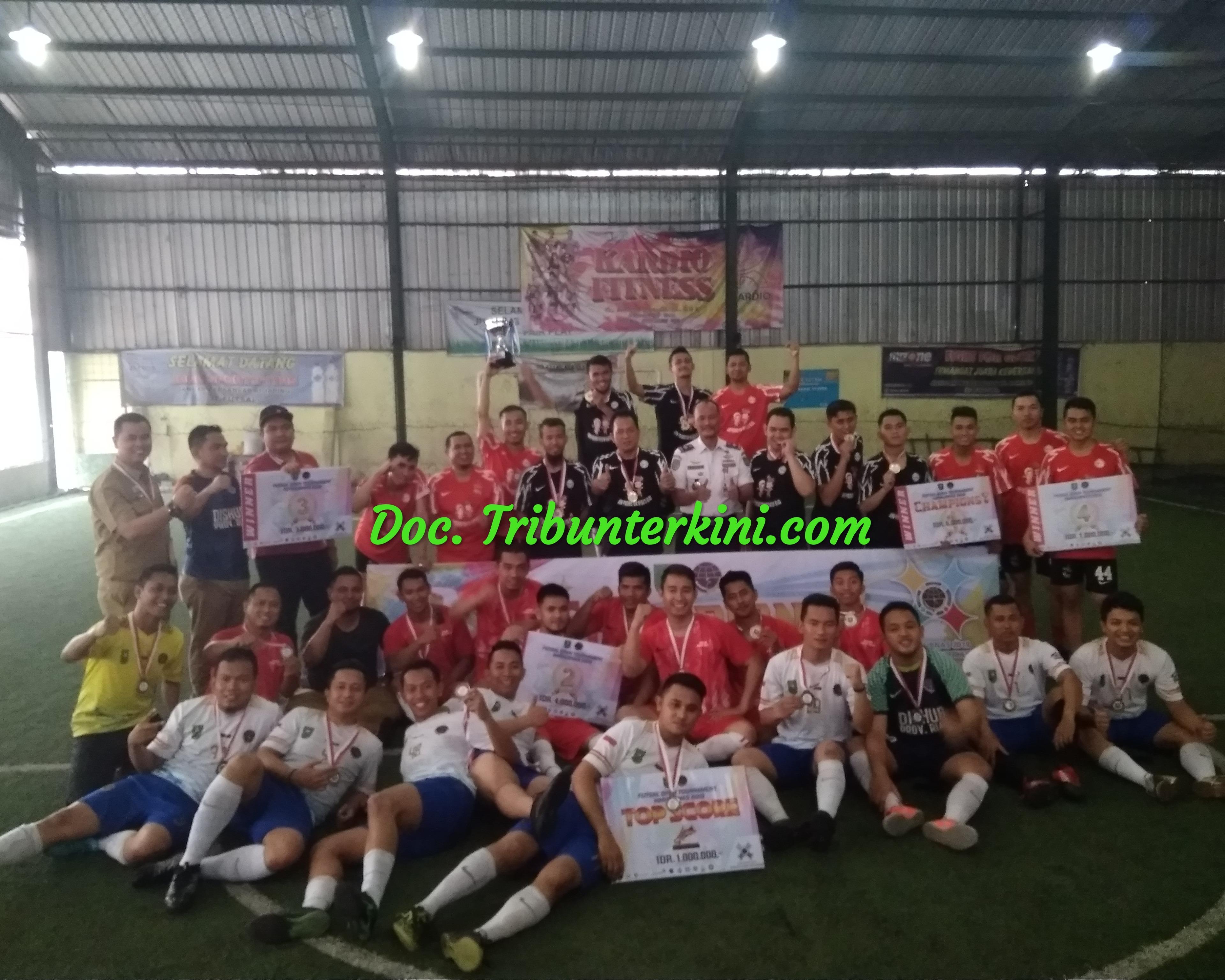 Team Futsal BKD Riau Menjadi Juara Satu Di Pertandingan Futsal Open Tournament Champions, Dalam Rangka Hari Perhubungan Nasional Tahun 2019
