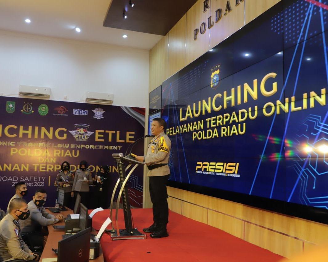 Kapolda Riau Launching E-TLE Nasional dan Resmikan Pelayanan Terpadu Online Polda Riau