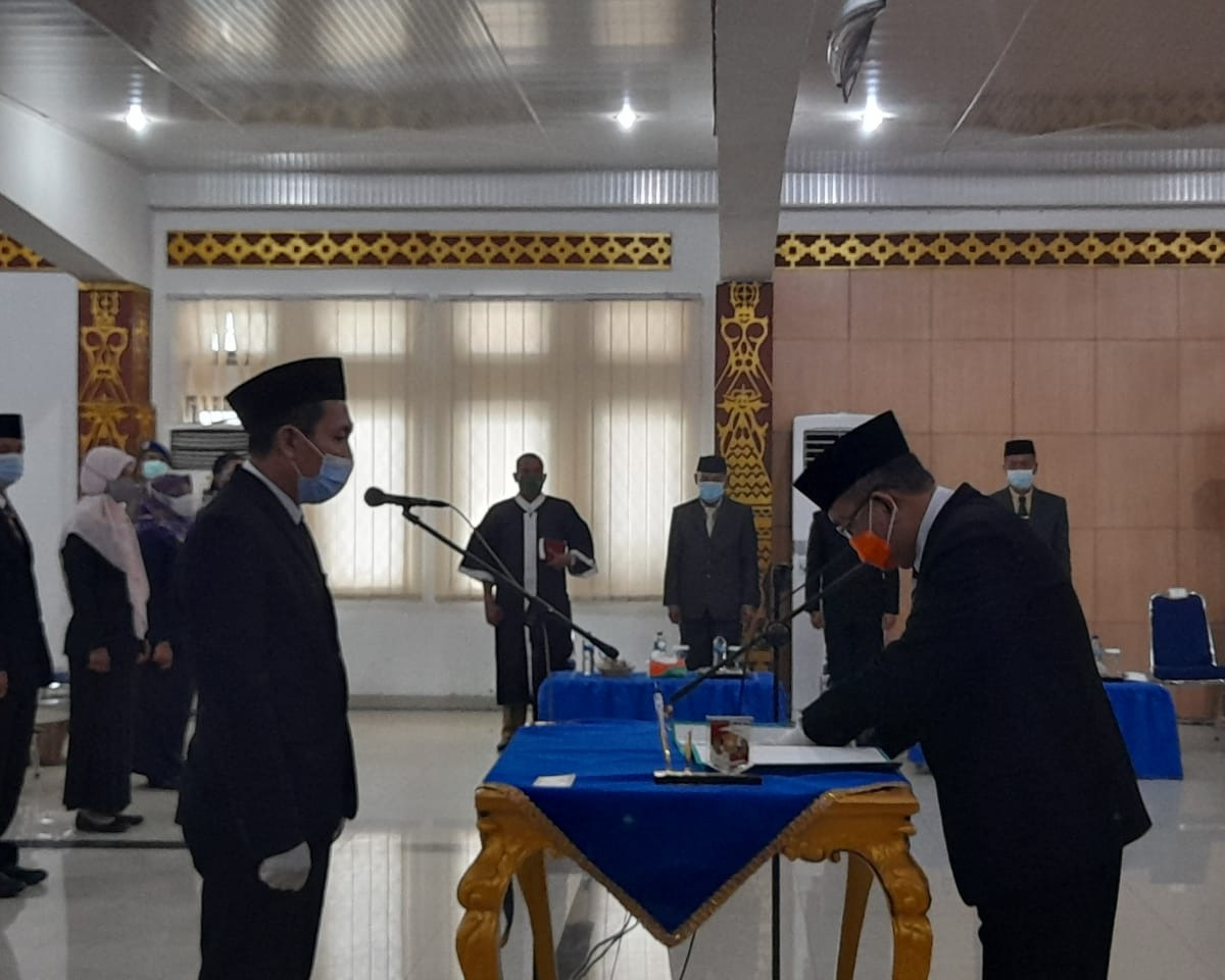 Sekdakab Lampung Utara Hadiri Upacara Pelantikan Pejabat Administrator Eselon III dan Pengawasan Eselon IV