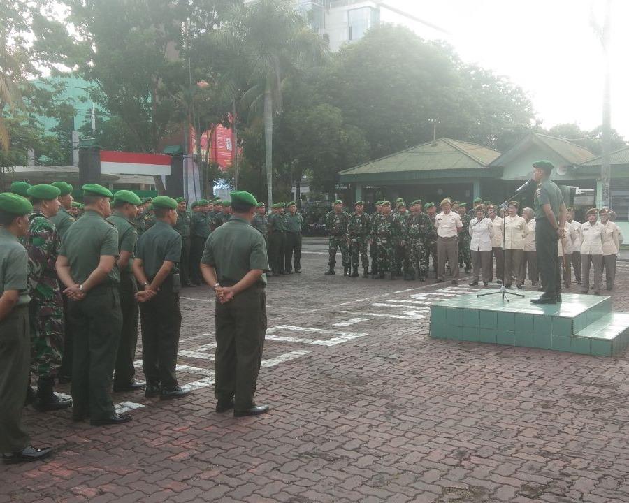Upacara Bendera Awal Bulan, Dandim 0301/Pekanbaru Memberikan Pengarahan (JamDan) Kepada Personil Kodim dan PNS