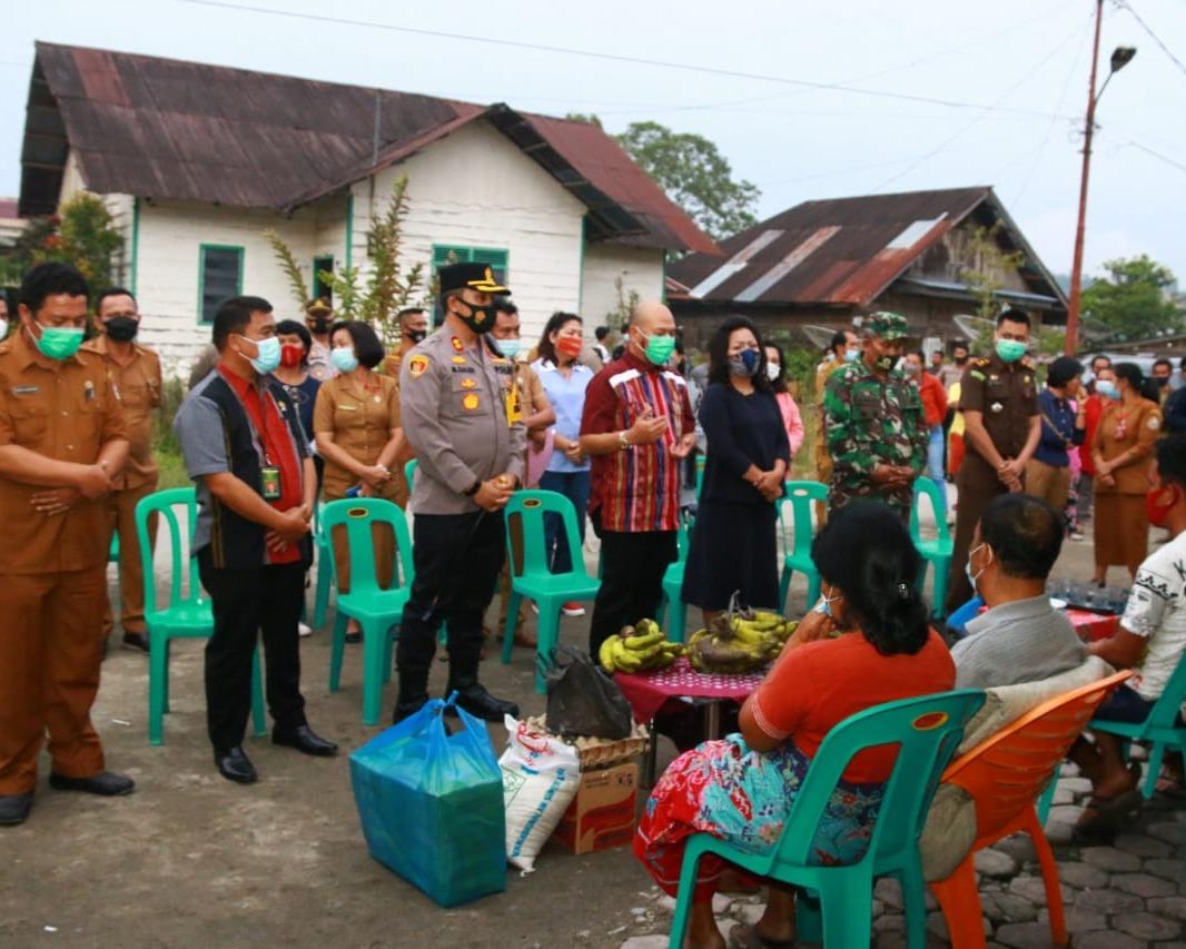 Bupati Taput Berikan Bantuan Bagi Korban Kebakaran di Dua Desa Kecamatan Tarutung